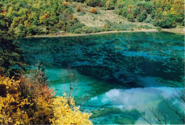 blue mountain water in Jiuzhaigou