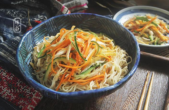 bowl of chinese noodles eaten on the chinese summer solstice